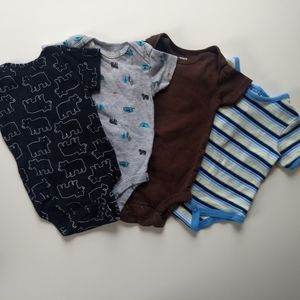✨ 5/$25✨👶 3 mo Carter's Gender Neutral Onesies
